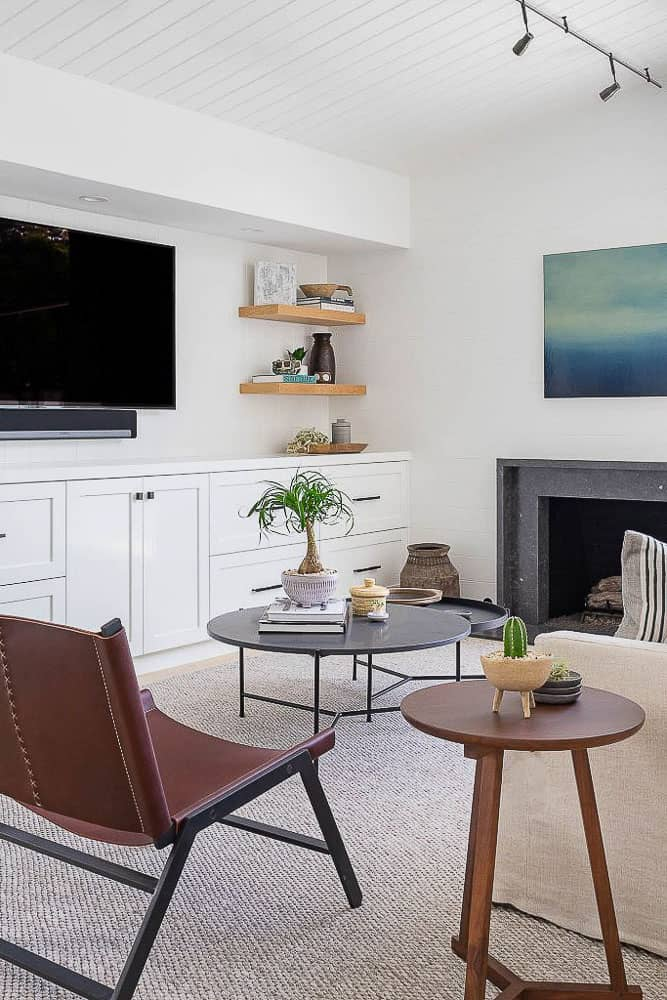 Peninsula Point Reveal Living Room Image