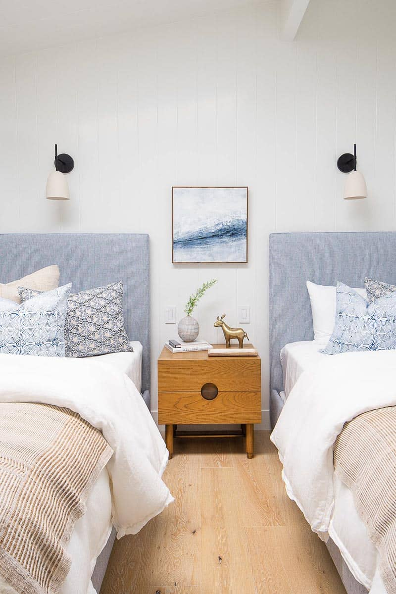 Peninsula Point Reveal Kids Bedroom Image