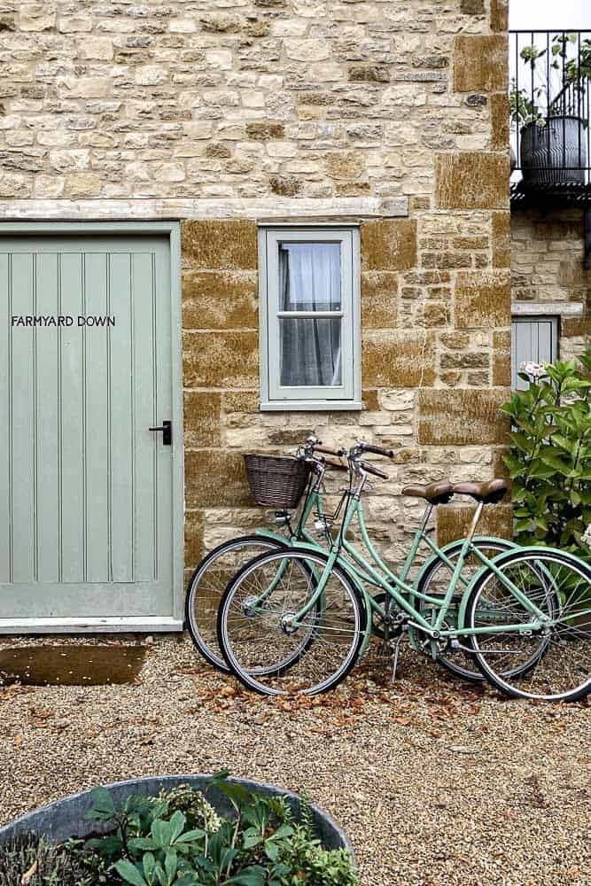 The Cotswolds Guide Image