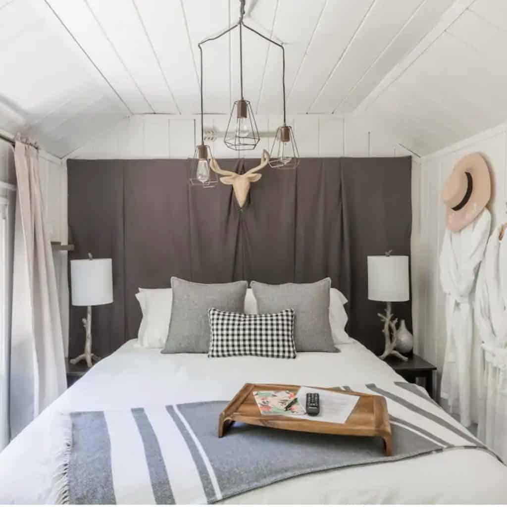 Idyllwild California Cabin Rental - Mindy Gayer Design Co.