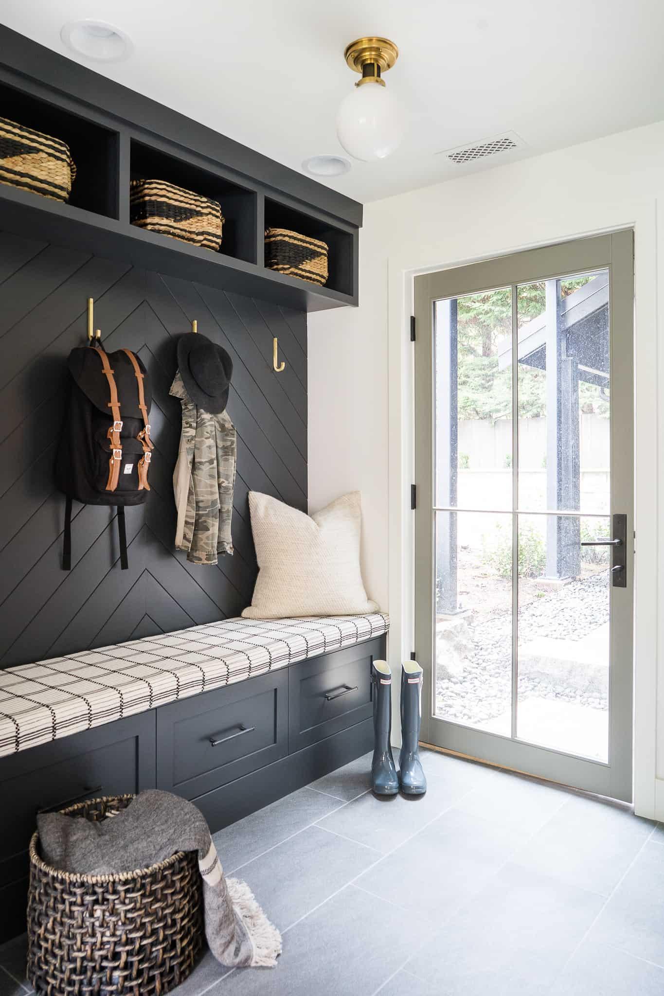 Black and White Mudroom Design: Bainbridge Project - Mindy Gayer Design Co.