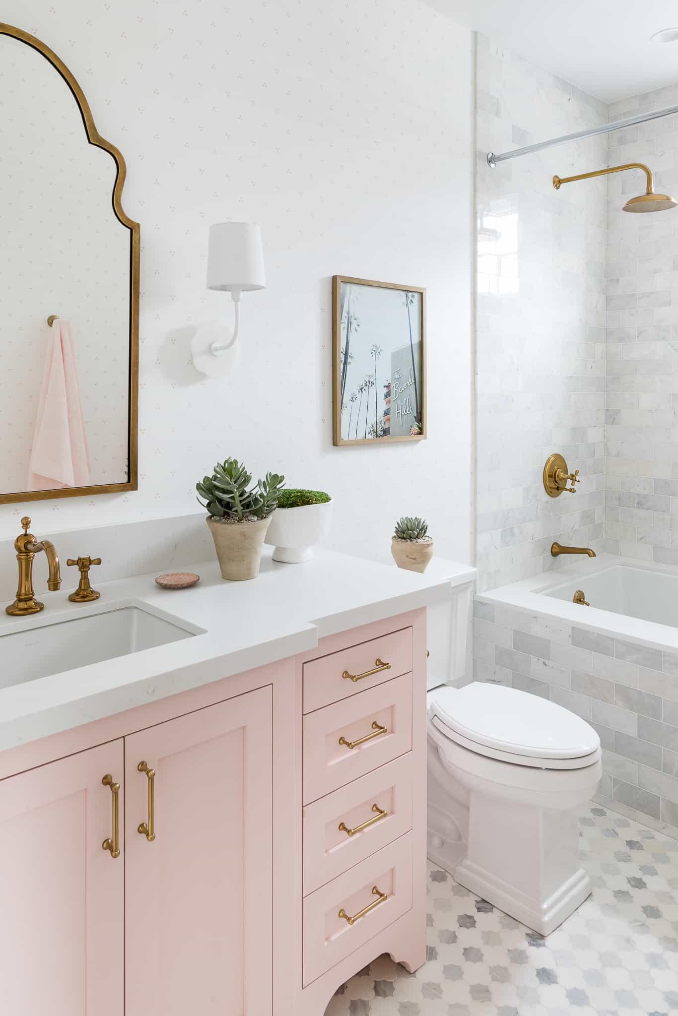 Windward Girls Bathroom Design - Mindy Gayer Design Co.
