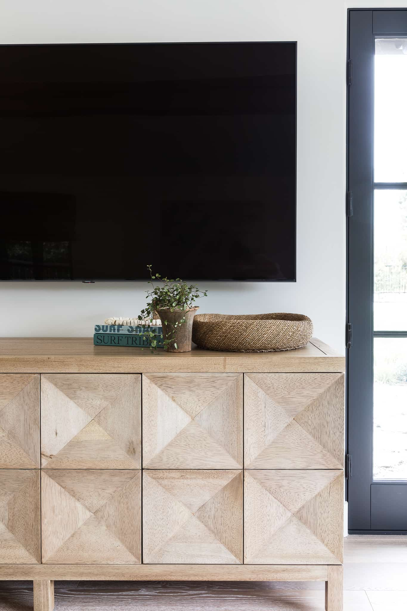 How To Style A Console Table - Mindy Gayer Design Co.
