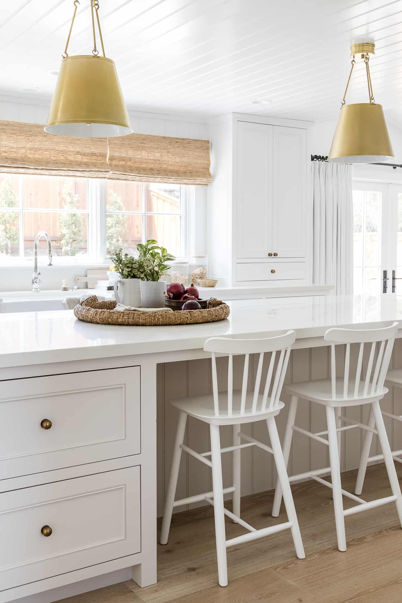 Port Newport Project - Mindy Gayer Design Co. - Coastal Family Home Kitchen