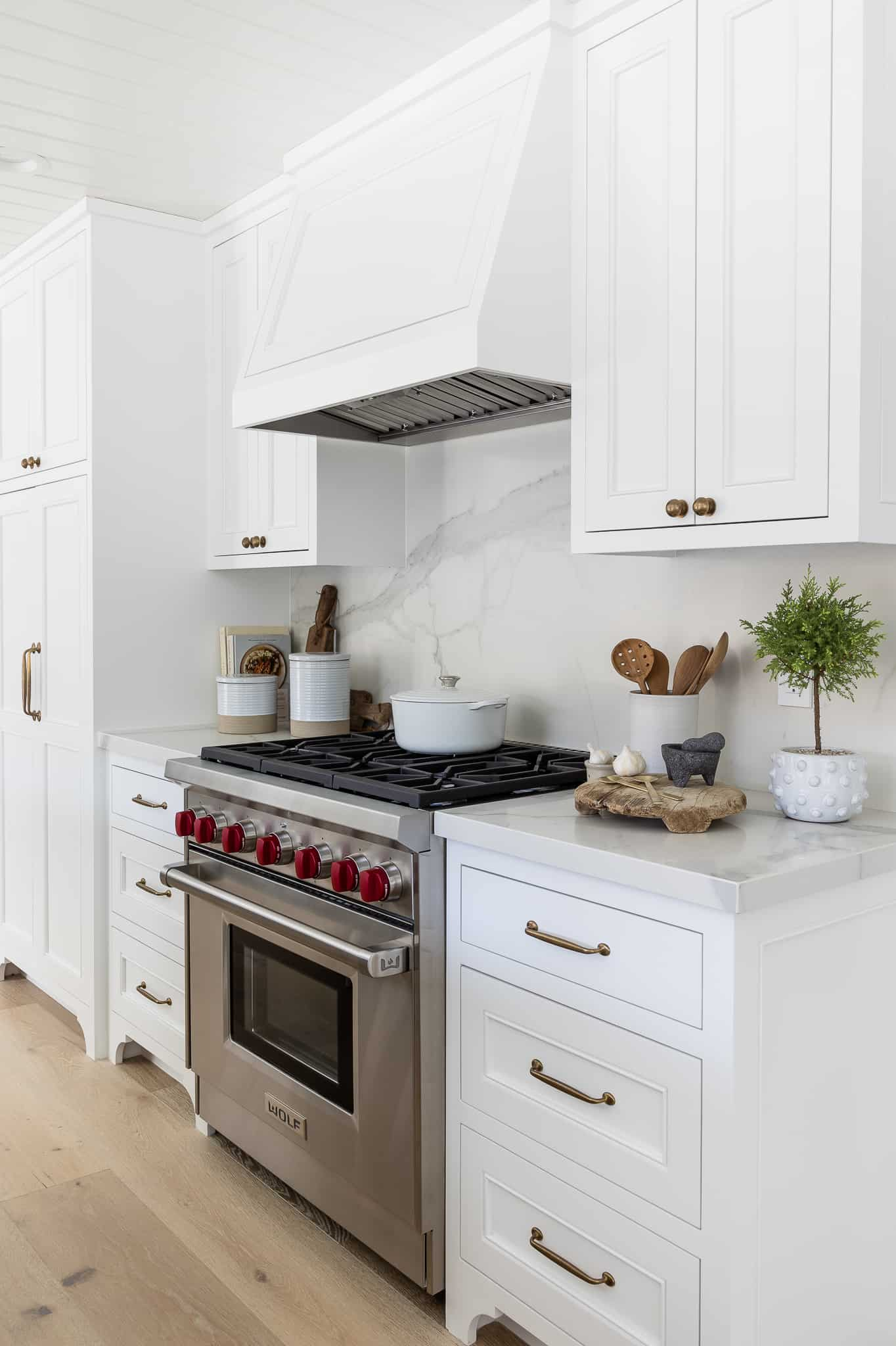 Port Newport Project - Mindy Gayer Design Co. - Kitchen Design
